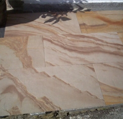 Flexible sandstone from YTTERSTONE® as a floor decor in the interior